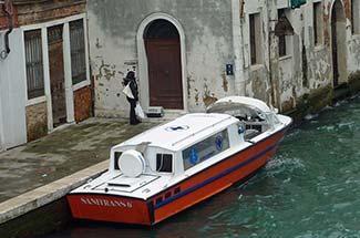 Sanitrans boat on Rio di Ca' Foscari