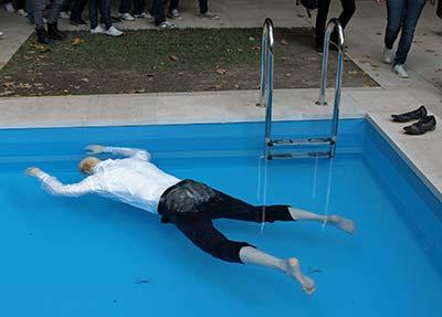 Biennale di Venezia sculpture of body in water