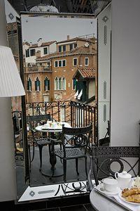Hotel Palazzina Grassi in Venice