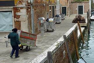 Venice garbage collector
