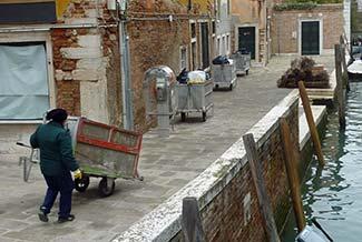Venice garbage collector