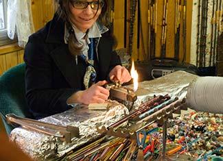 Beadmaker Muriel Balensi of Venezi'Arte