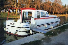 France Passion Plaisance handicapped-accessible houseboat