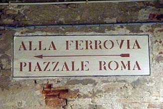Venice directional sign