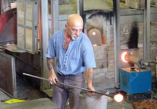 Murano glassblowing demonstration5-p1030947