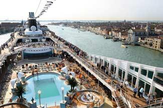 MSC ship in Giudecca Canal