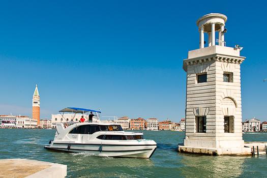 Le Boat Minuetto in Venice
