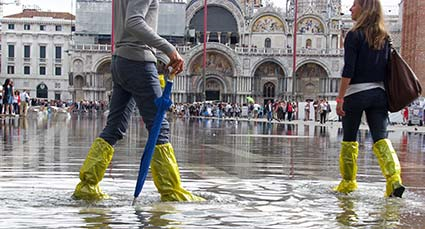 Goldon boots in Piazza San Marco